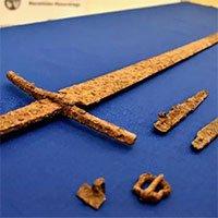Phát hiện thanh kiếm cực hiếm thời Trung cổ