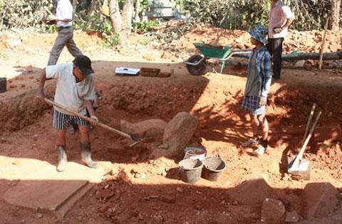 Phát lộ nền móng của một đền tháp Chămpa