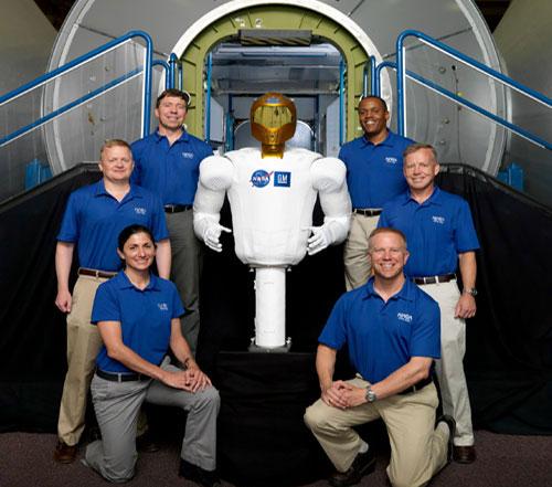 Phi hành gia người máy: Lỗi hẹn với ISS
