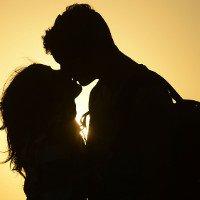 Phụ nữ cần bao nhiêu giây đồng hồ để có tình yêu sét đánh?
