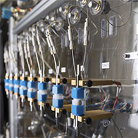 Pin làm từ nước biển sạc được 80% trong 5 phút, hiệu năng tốt hơn, an toàn hơn