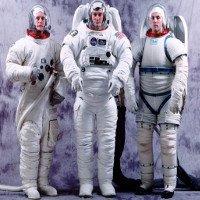 Quần áo vũ trụ có những công dụng gì?