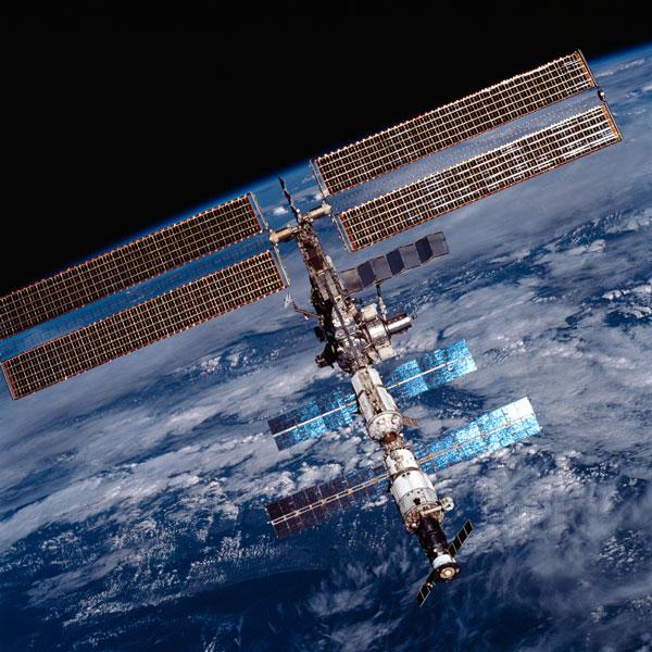Quỹ đạo của ISS lên thêm 6km