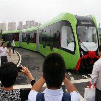 Ra mắt tàu điện không người lái, không đường ray ở Trung Quốc
