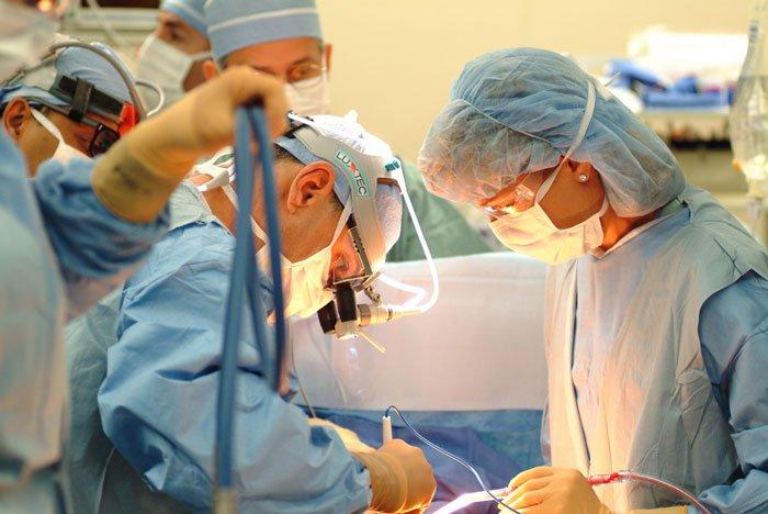 Robot phẫu thuật nhanh gấp 10 lần bác sỹ