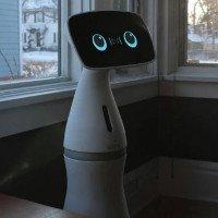 Robot thông minh giúp trông nhà