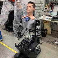 Rợn tóc gáy với robot