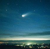 Sao chổi sáng hơn trăng rằm thăm Trái đất năm 2013