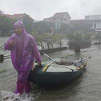 Sau Quảng Ngãi, giờ đến người dân Hà Tĩnh vội vã chạy lụt