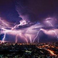 Sét châm ngòi phản ứng hạt nhân trong cơn bão