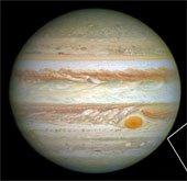 Siêu bão trên sao Mộc ngày càng thu hẹp