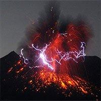 """Siêu bão và núi lửa """"va"""" vào nhau thì sẽ như thế nào?"""