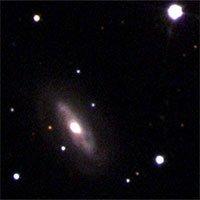 Siêu hố đen di chuyển với tốc độ 177.000km/h