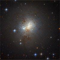 Siêu lỗ đen bằng 1 triệu Mặt trời là trái tim thiên hà