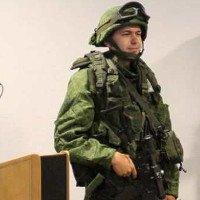 """Siêu quân phục Nga """"chấp"""" súng lục bắn ở cư li 10m"""