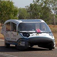 Sinh viên chế tạo xe điện chạy 900km trong một lần sạc