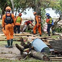 Số người chết bởi sóng thần Indonesia lên gần 400