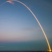 SpaceX đưa thành công vệ tinh SES-9 vào quỹ đạo, thất bại khi hạ cánh tên lửa về xà lan