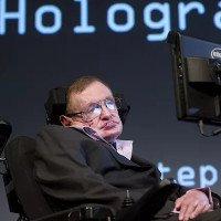 Stephen Hawking bị tố