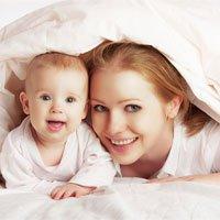 Sử dụng trứng hiến tặng, mẹ và con sinh ra vẫn là