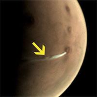 Sự thật đằng sao đám khói trắng đang lơ lửng trên bề mặt sao Hỏa