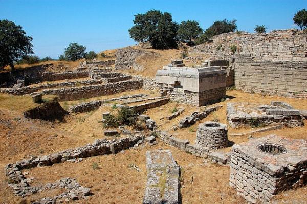 Tái khai quật thành Troy