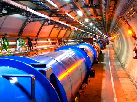 Tái khởi động máy gia tốc hạt khổng lồ