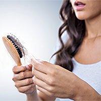Tại sao căng thẳng lại gây rụng tóc?