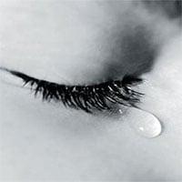 Tại sao khi khóc lại có nước mắt?