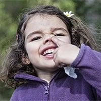 Tại sao không nên ăn gỉ mũi và ngoáy mũi?