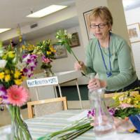 Tại sao không nên mang hoa và bóng bay vào bệnh viện