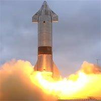 Tàu không gian của SpaceX hạ cánh thành công sau nhiều thử nghiệm thất bại