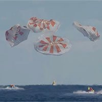 Tàu vũ trụ Crew Dragon trở về Trái đất an toàn