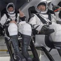 Tàu vũ trụ SpaceX chở toàn dân thường hạ cánh xuống Đại Tây Dương