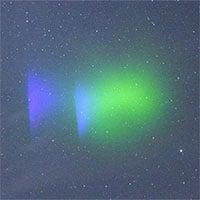 Tên lửa NASA tạo mây như cực quang trên trời đêm