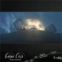 Tên lửa SpaceX phá vỡ bức tường âm thanh, đáp xuống mặt đất