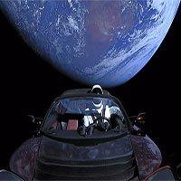 Tesla Roadster là chiếc xe đi xa nhất trong lịch sử sau khi được phóng vào vũ trụ 1 năm trước