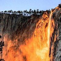 Thác lửa cực hiếm: Hiện tượng thiên nhiên kỳ thú