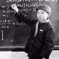 Thần đồng đỗ đại học từ năm 11 tuổi là minh chứng: Học giỏi đến mấy mà EQ kém cũng buồn