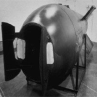 Tháo ngòi bom nguyên tử - công việc