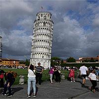 Tháp nghiêng Pisa đang dần thẳng lại
