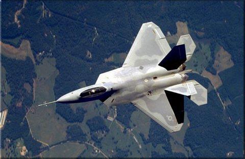 Tìm hiểu F-22, loại máy bay cấm xuất khẩu của Mỹ