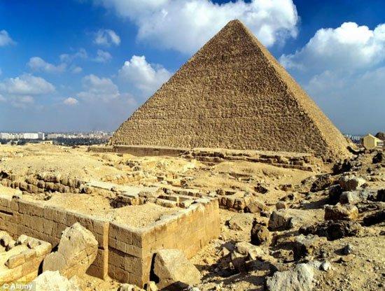Tìm thấy hình hoạ kỳ lạ, có thể giải mã bí ẩn kim tự tháp