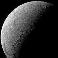 Tò mò với chữ Y khổng lồ trên Mặt trăng Enceladus