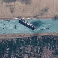 Trăng tròn giúp giải phóng tàu Ever Given chắn kênh Suez như thế nào?