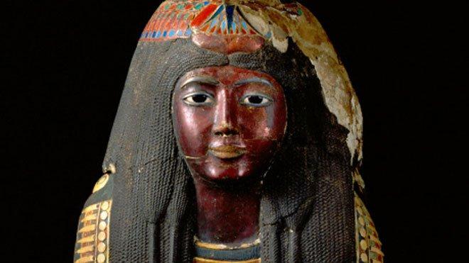 Tranh chấp mặt nạ vàng của xác ướp 3.200 năm