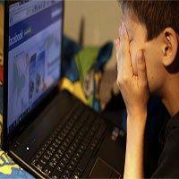 Trẻ tiếp xúc quá nhiều với mạng xã hội dễ dẫn tới cảm giác cô đơn, tự ti