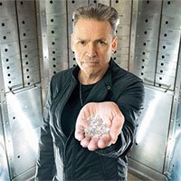 Triệu phú Anh tuyên bố làm được kim cương từ không khí