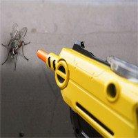 """Trở thành """"xạ thủ"""" diệt…ruồi với khẩu súng bắn đạn muối"""