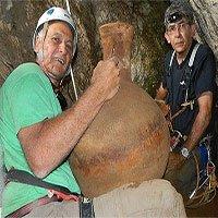 Trục vớt nguyên vẹn các tàu gốm có niên đại hơn 2.000 năm tuổi
